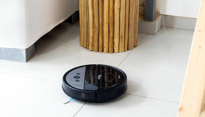 Robots Aspiradores limpiando el suelo