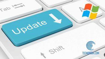 Teclado con la tecla de Update y logo de Windows