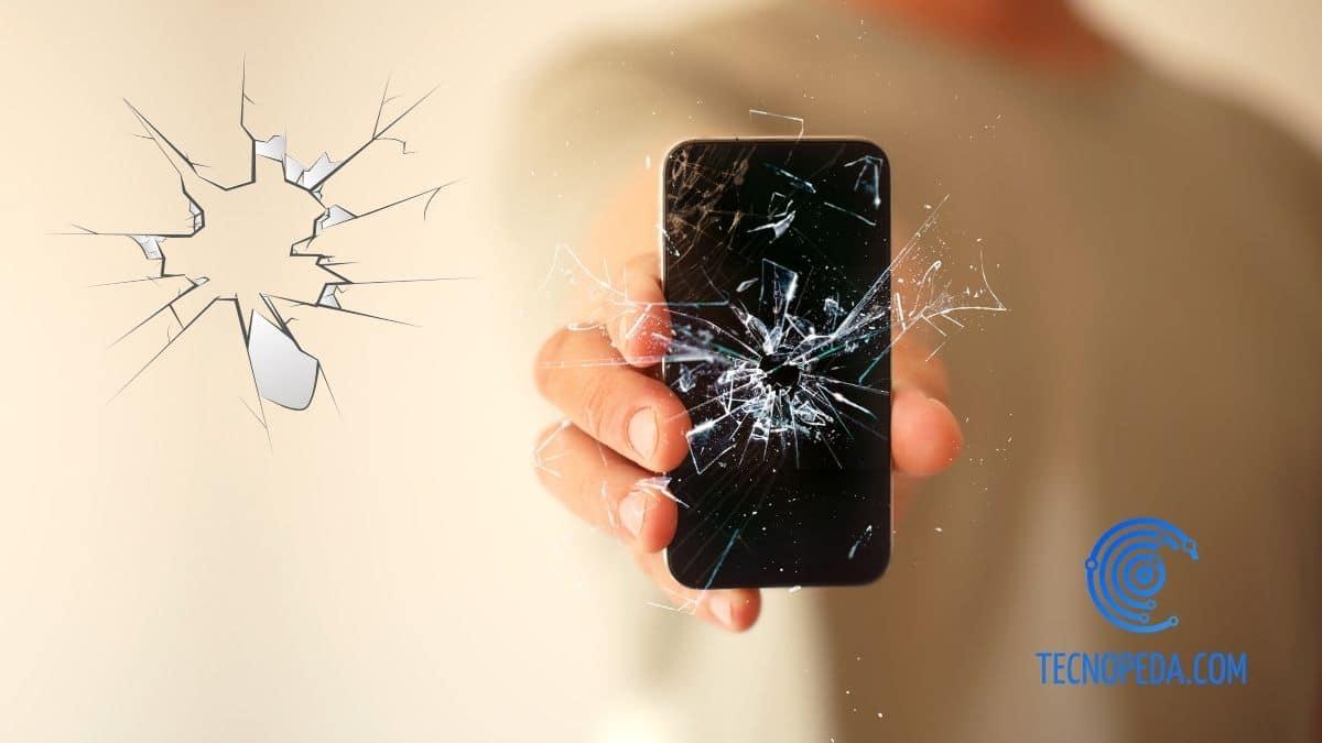 pantalla de un móvil rayada