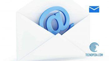 Símbolo de email dentro de un sobre blanco